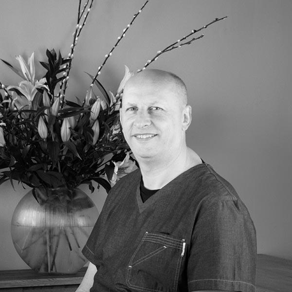Dr Kenny Doig